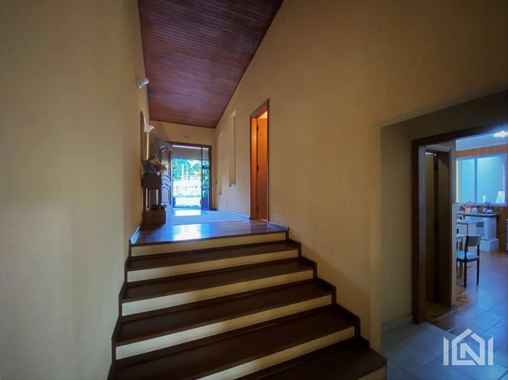Casa à venda Fazendinha  escadas de acesso