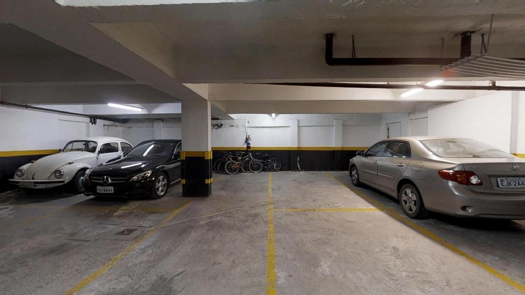 4 vagas de garagem