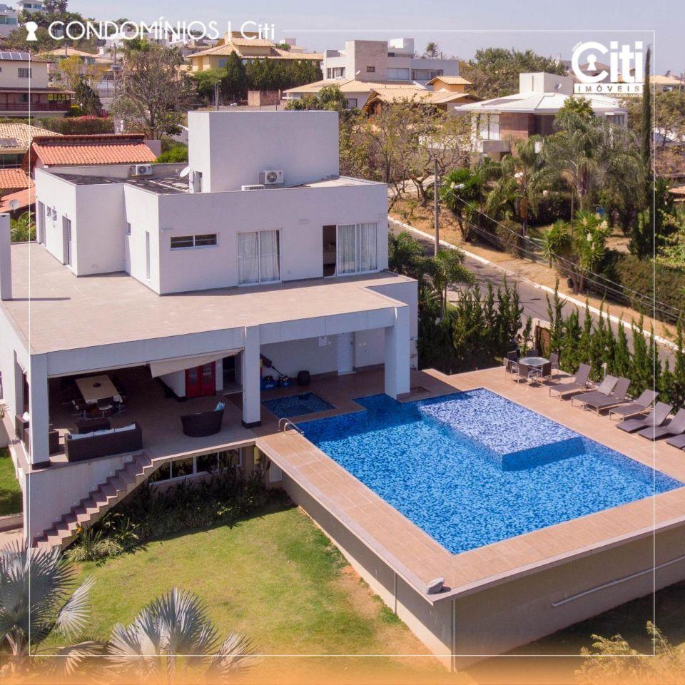 Casa em condomínio de 486,00m²,  à venda