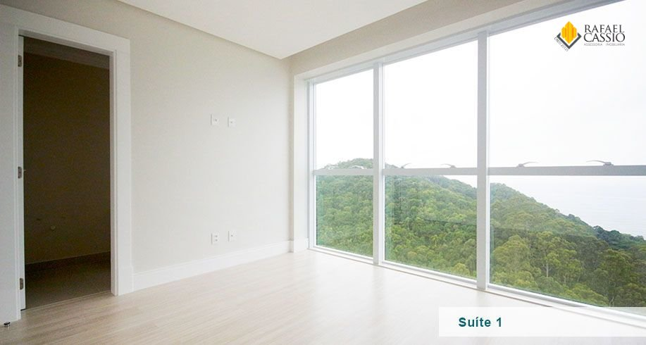081_suite.png