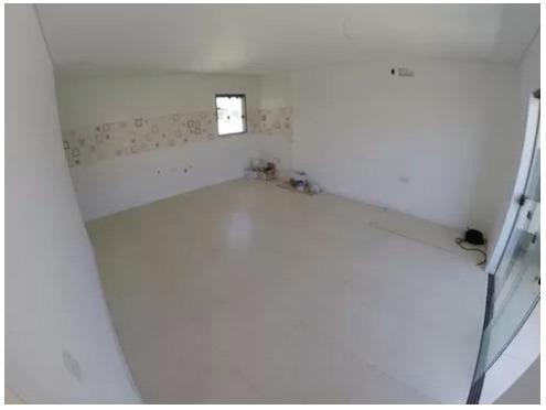 Sala de Estar e Cozinha do Apartamento em Piçarras com 2 Quartos, sendo 1 Suíte