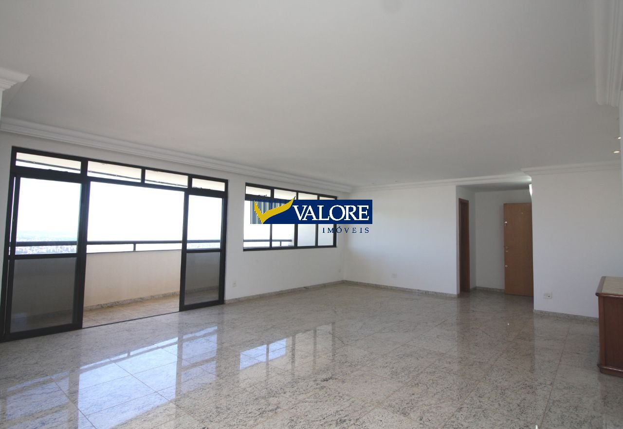 Apartamento de 218,00m²,  para alugar