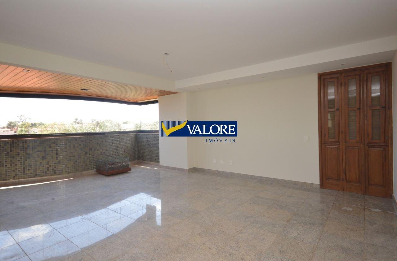 Apartamento de 226,70m²,  à venda