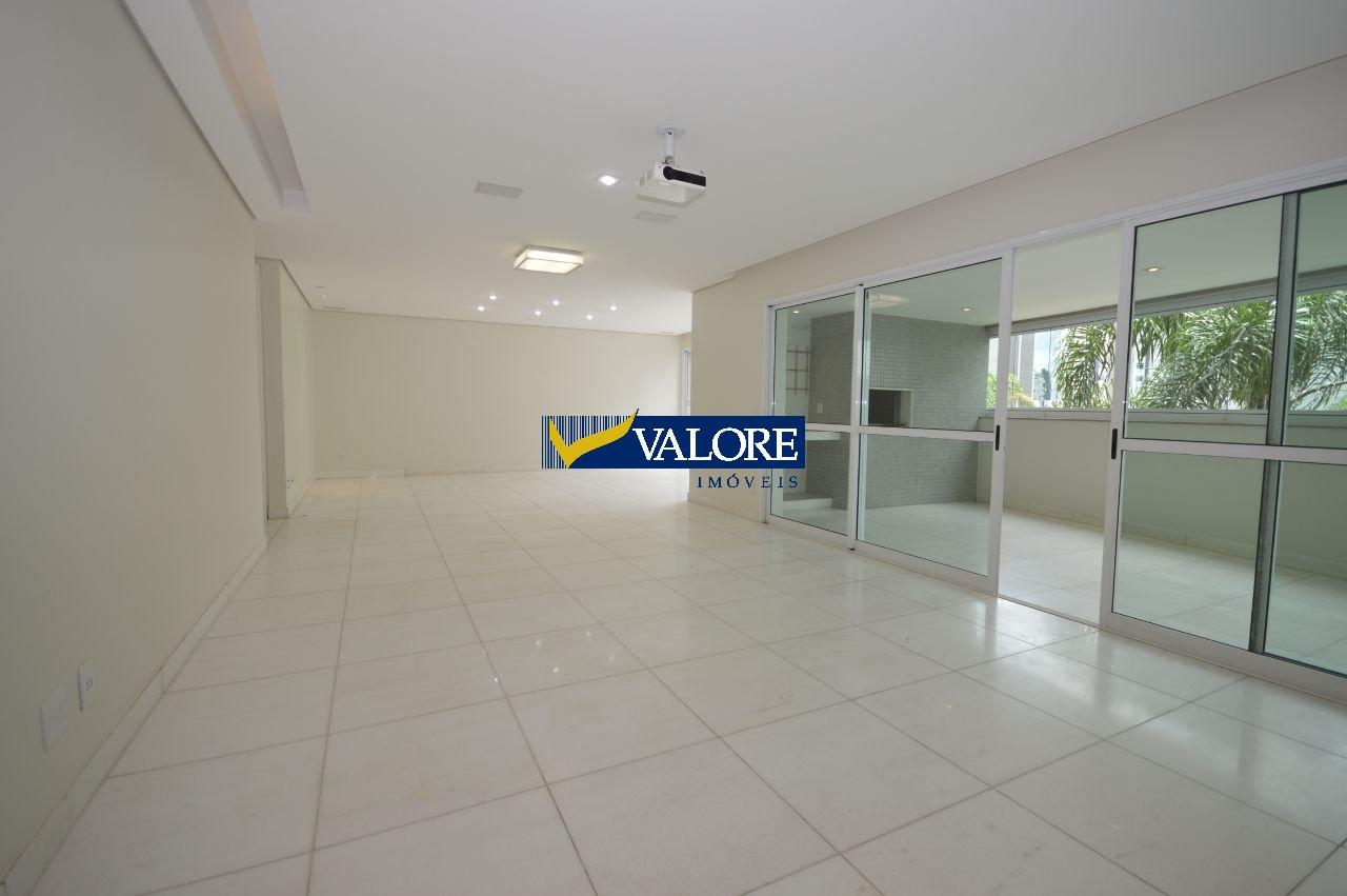 Apartamento de 215,00m²,  à venda