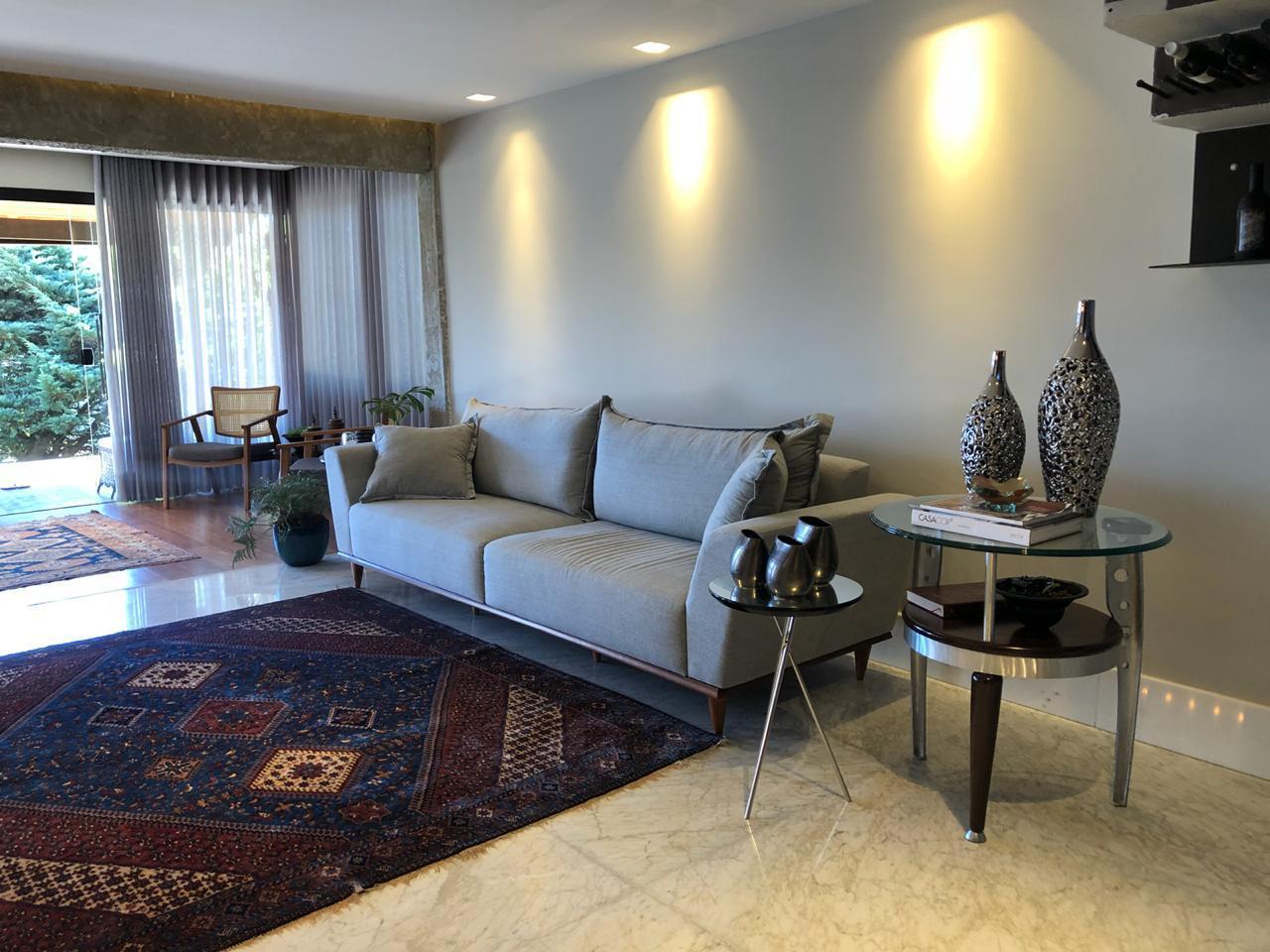 Casa em condomínio de 380,00m²,  à venda