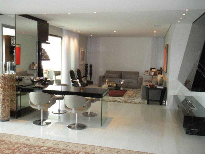 Apartamento de 337,00m²,  à venda