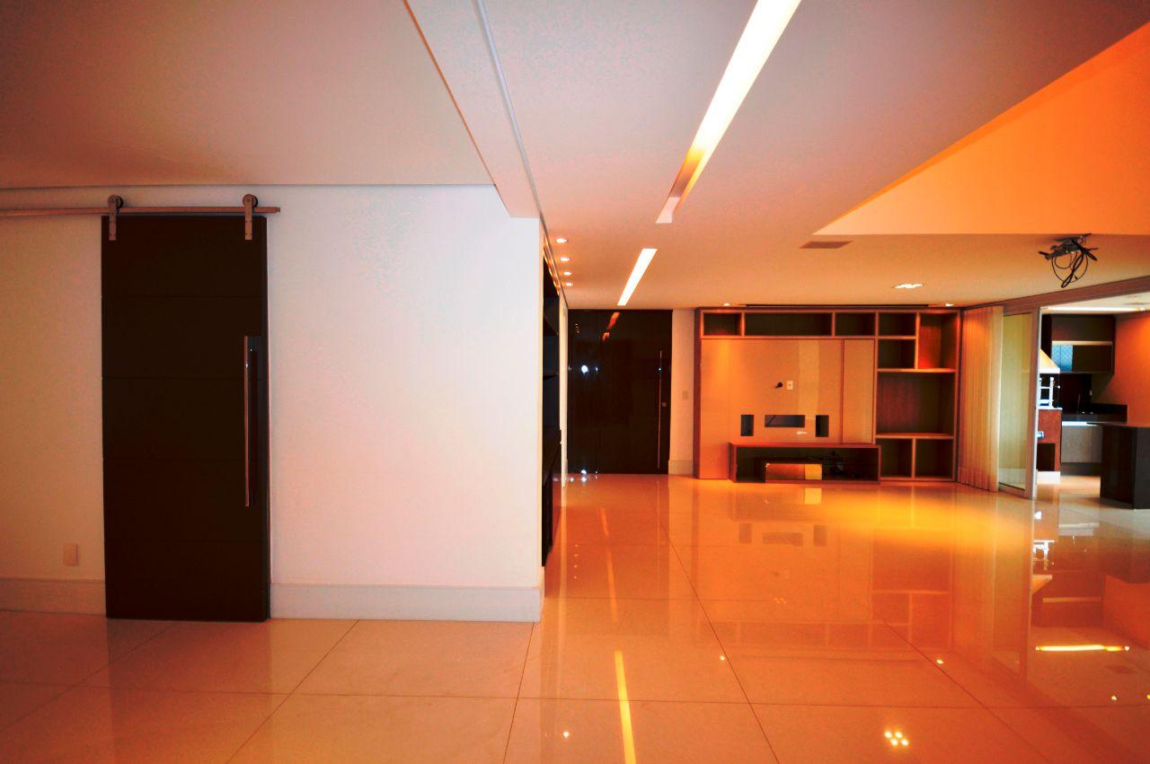 Apartamento de 221,00m²,  à venda