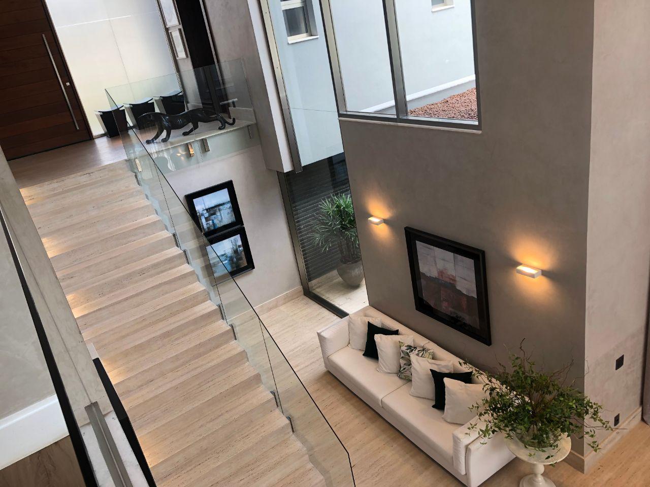 Casa em condomínio de 680,00m²,  à venda