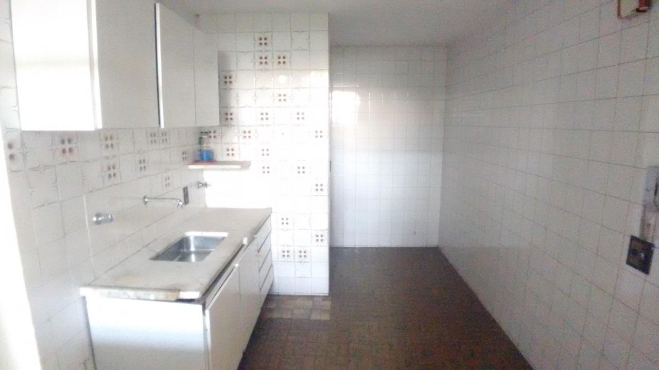 Apartamento para Venda com 3 quartos em Barro Preto, Belo Horizonte - COD: 1116