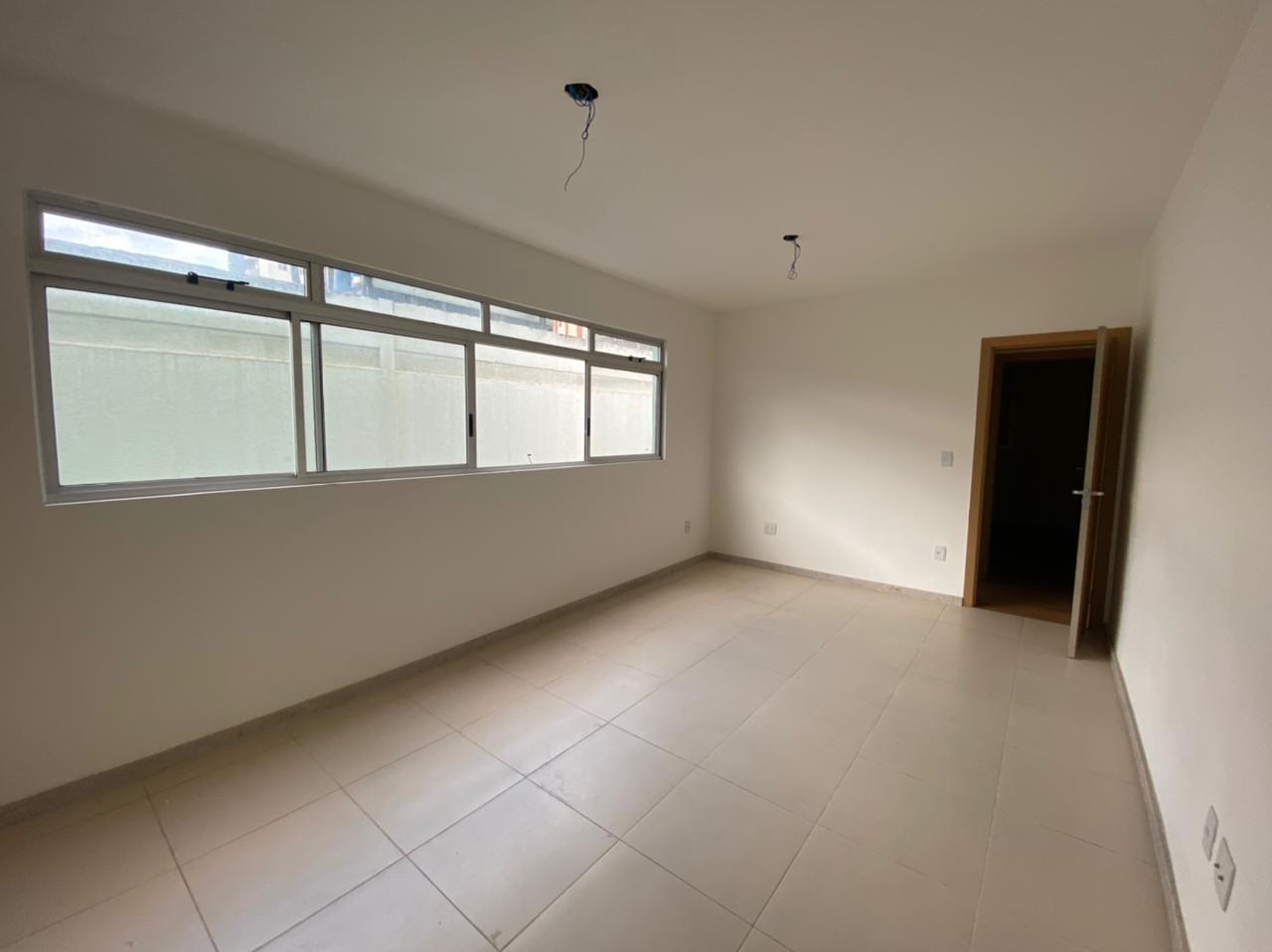 Área privativa de 98,00m²,  à venda