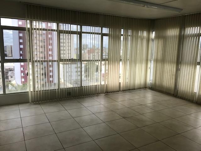 Sala de 80,00m²,  para alugar