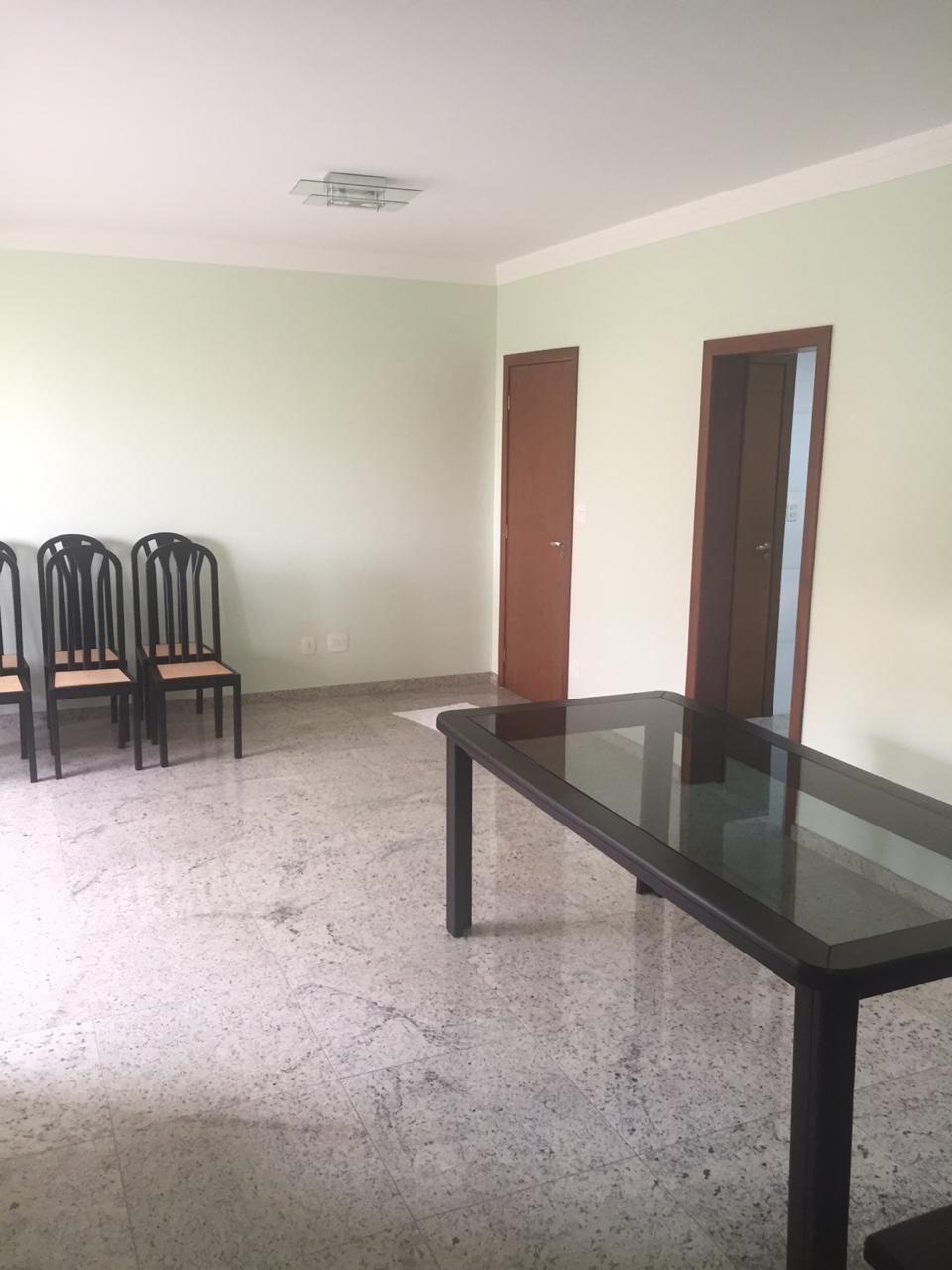 Área privativa de 121,00m²,  para alugar