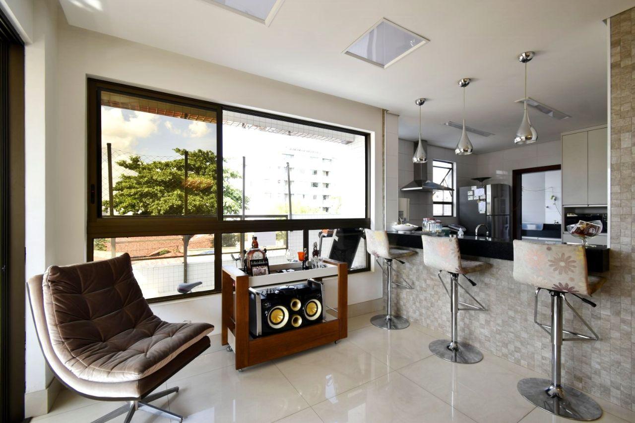 Área privativa de 250,00m²,  à venda