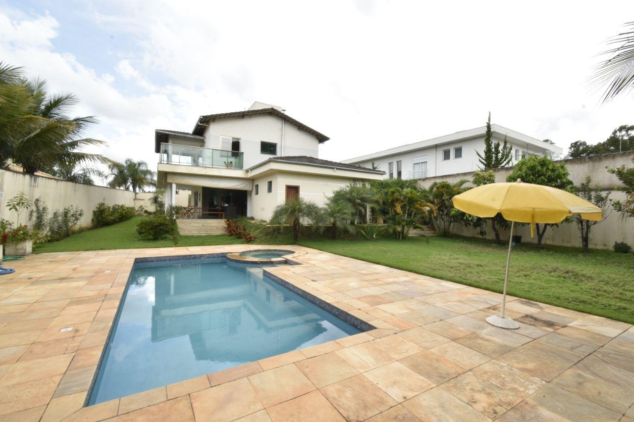 Casa de 303,00m²,  à venda