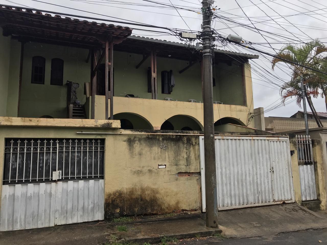 Casa de 365,00m²,  à venda