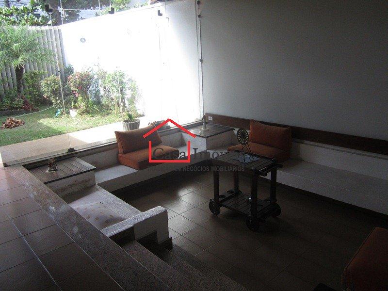 Casa de 290,00m²,  à venda