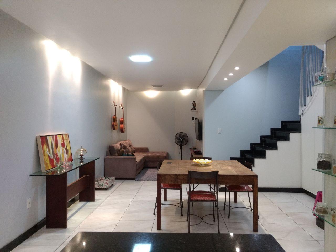 Casa geminada de 251,56m²,  à venda