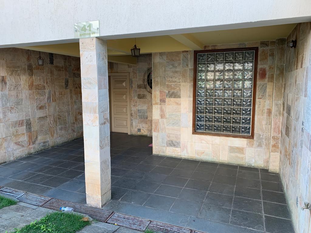 Casa geminada de 215,00m²,  à venda