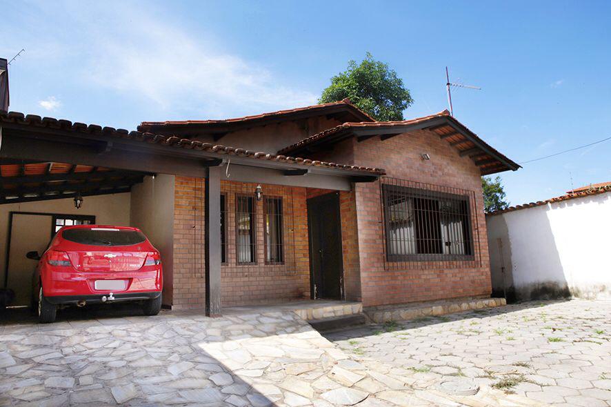 Casa de 260,00m²,  à venda