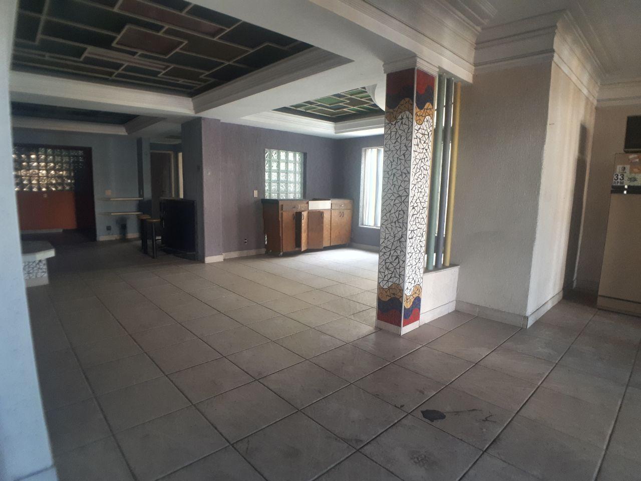 Salão de 180,00m²,  para alugar