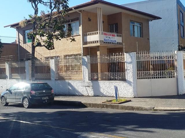 Casa de 221,00m²,  à venda