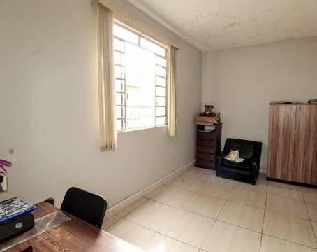 Casa de 195,00m²,  à venda