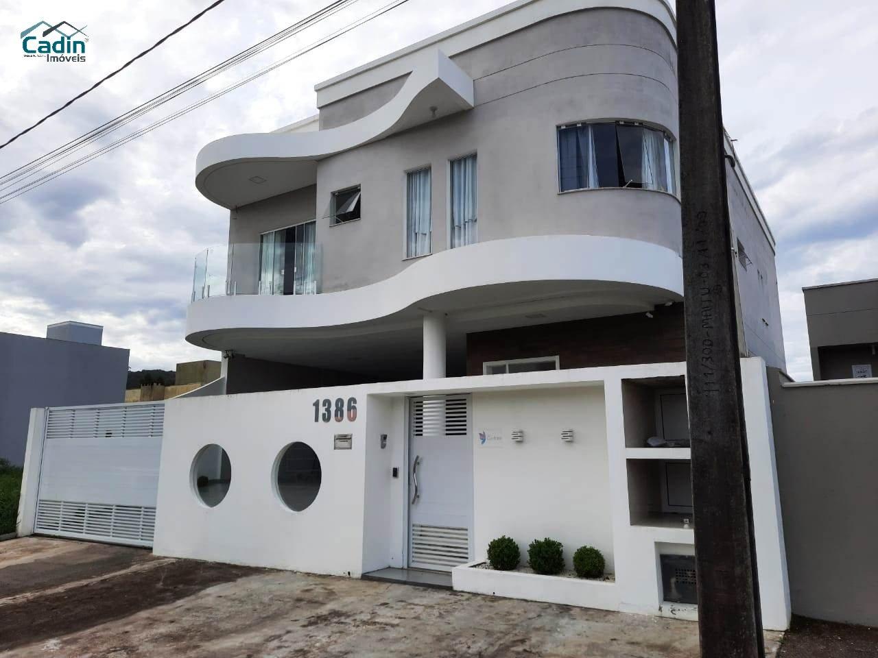 Casa de 422,31m²,  à venda