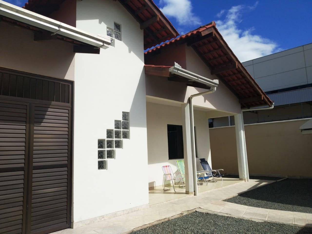 Casa de 126,00m²,  à venda