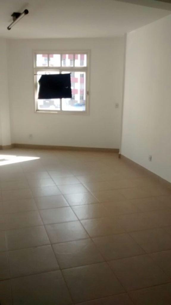 Sala de 70,00m²,  à venda