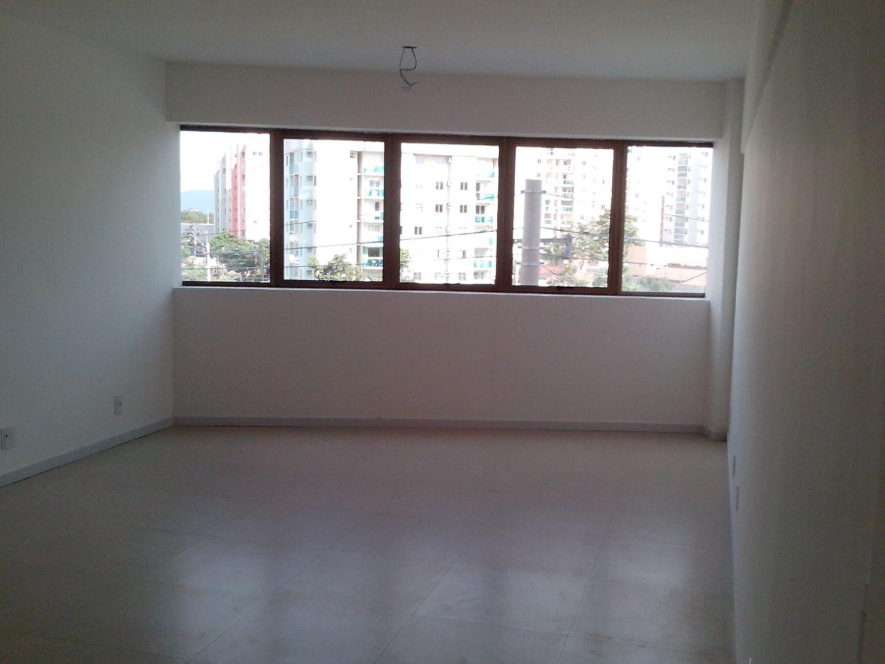 Sala de 32,64m²,  à venda