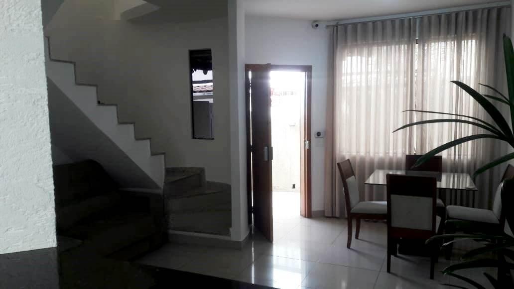 Casa geminada de 85,70m²,  à venda