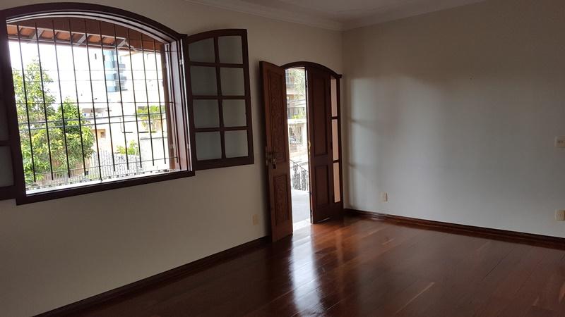 Casa de 259,00m²,  à venda