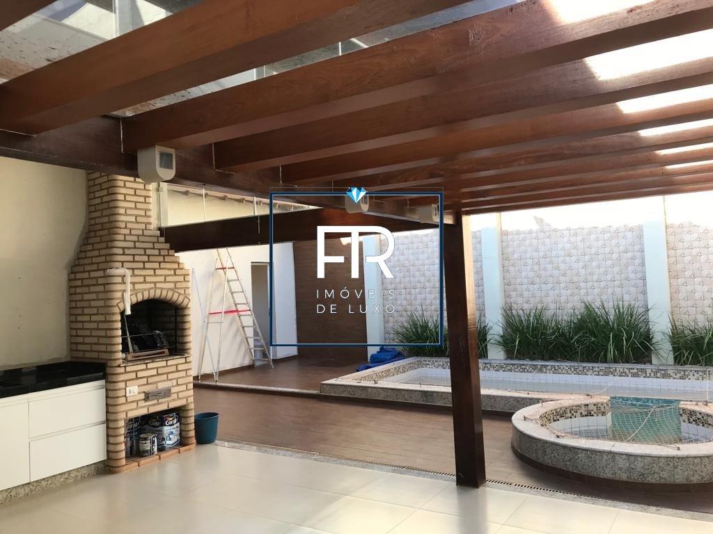 Casa em condomínio de 230,00m²,  para alugar