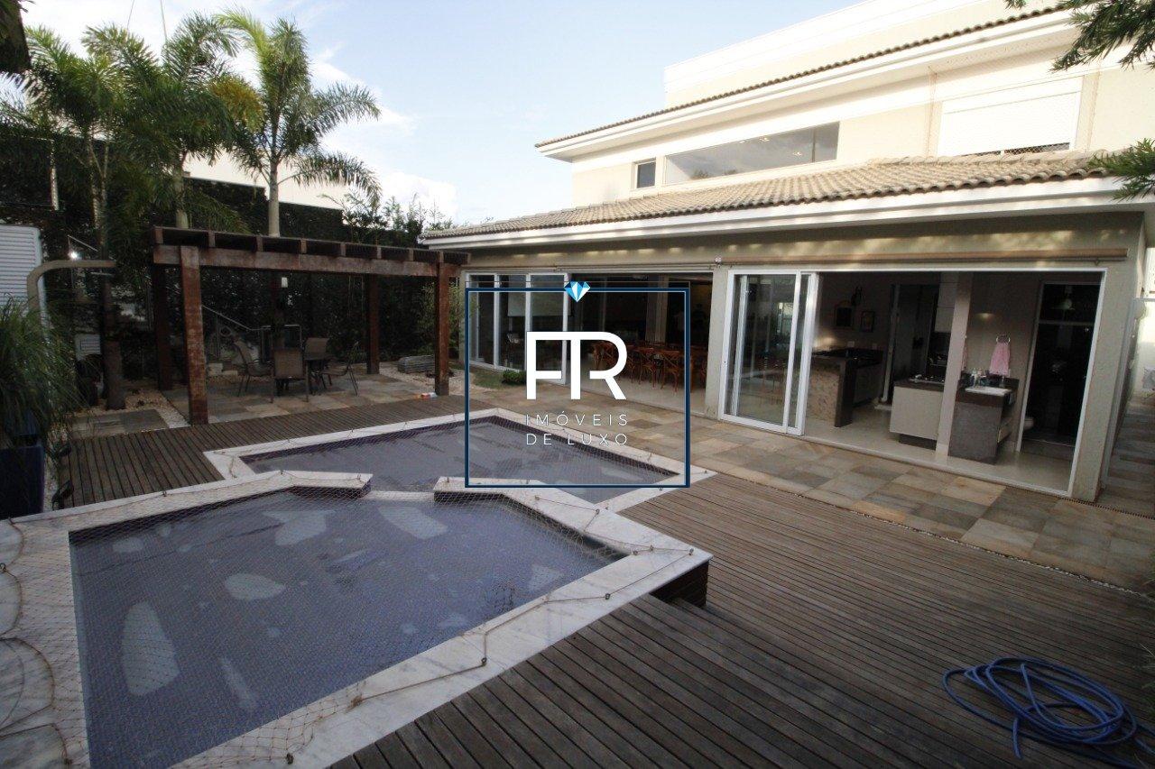 Casa em condomínio de 654,88m²,  para alugar