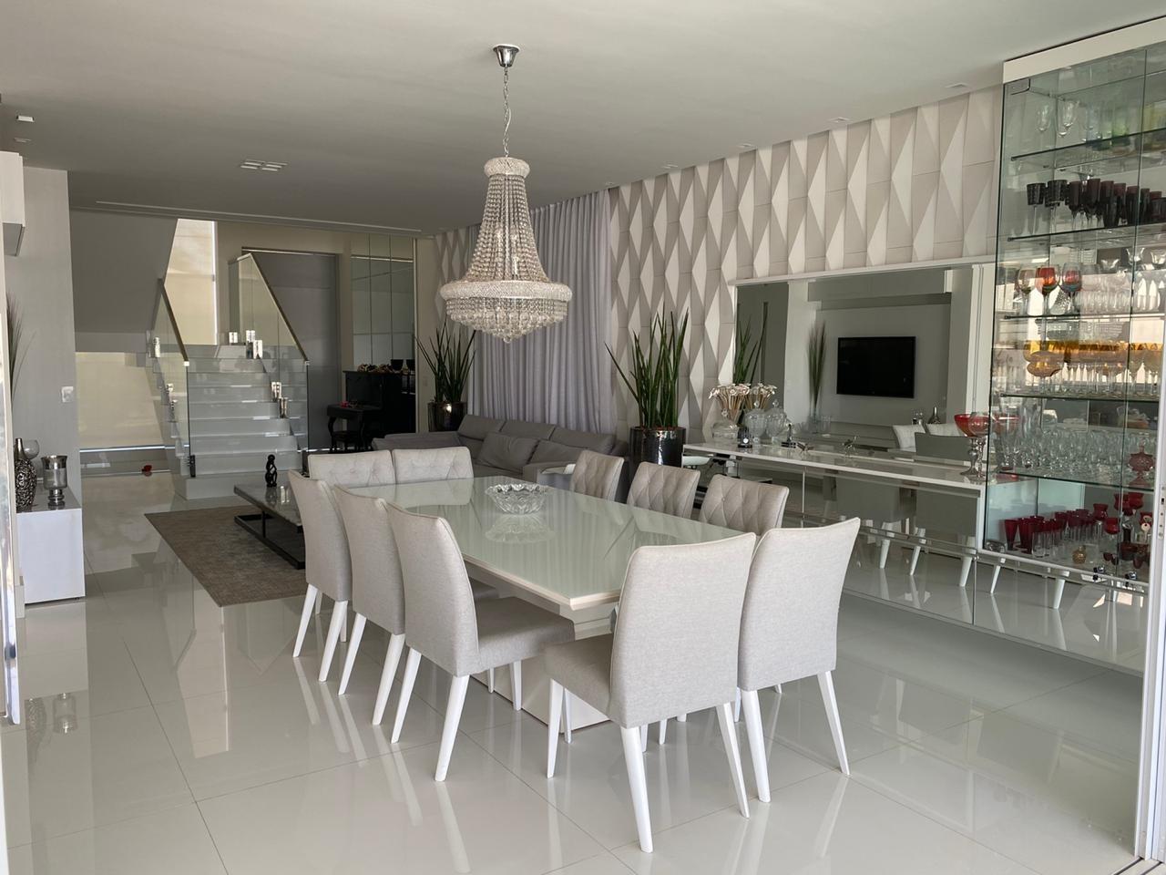 Casa em condomínio de 372,00m²,  à venda