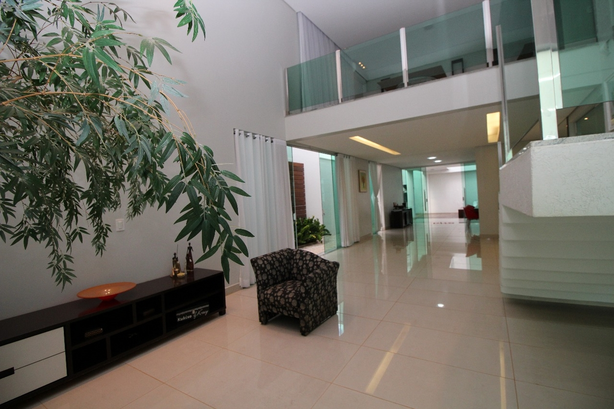 Casa em condomínio de 307,00m²,  à venda