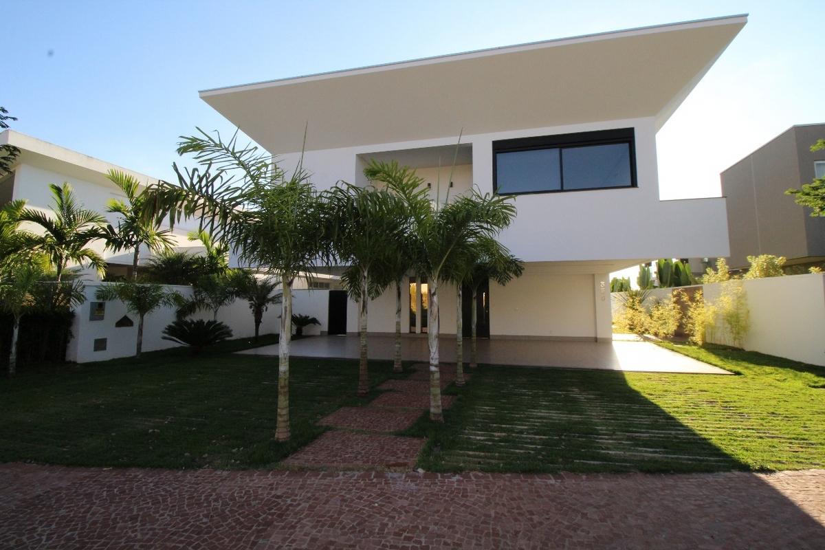 Casa em condomínio de 466,00m²,  à venda