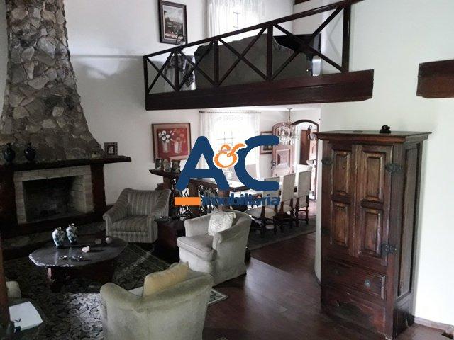 Casa de 466,00m²,  à venda