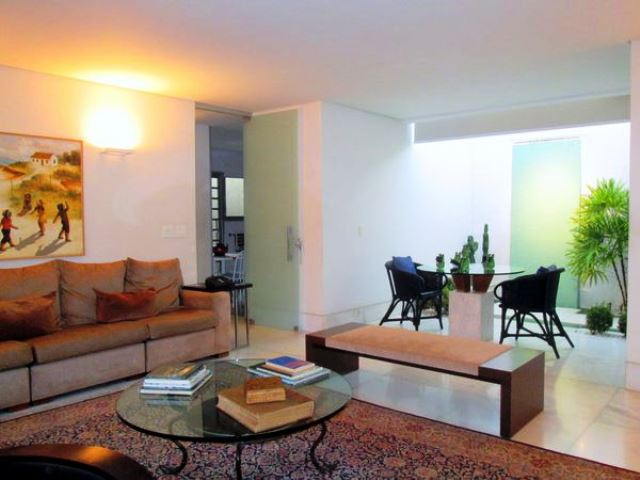Casa de 366,00m²,  à venda