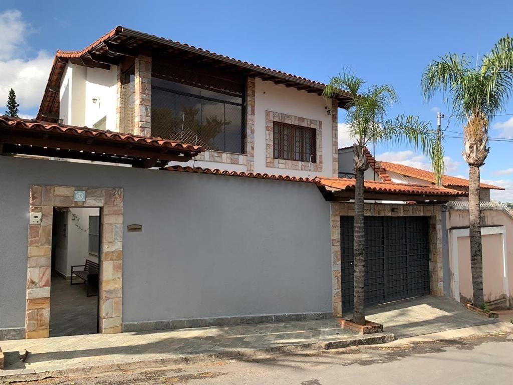 Casa de 470,00m²,  à venda