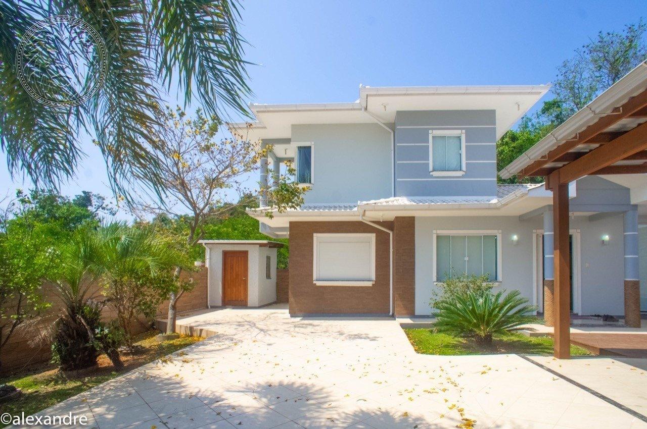 Casa com 2 dormitórios à venda em Florianópolis, no bairro Ribeirão da Ilha
