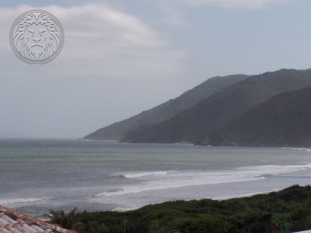 Cobertura com 2 dormitórios à venda em Florianópolis, no bairro Pântano do Sul