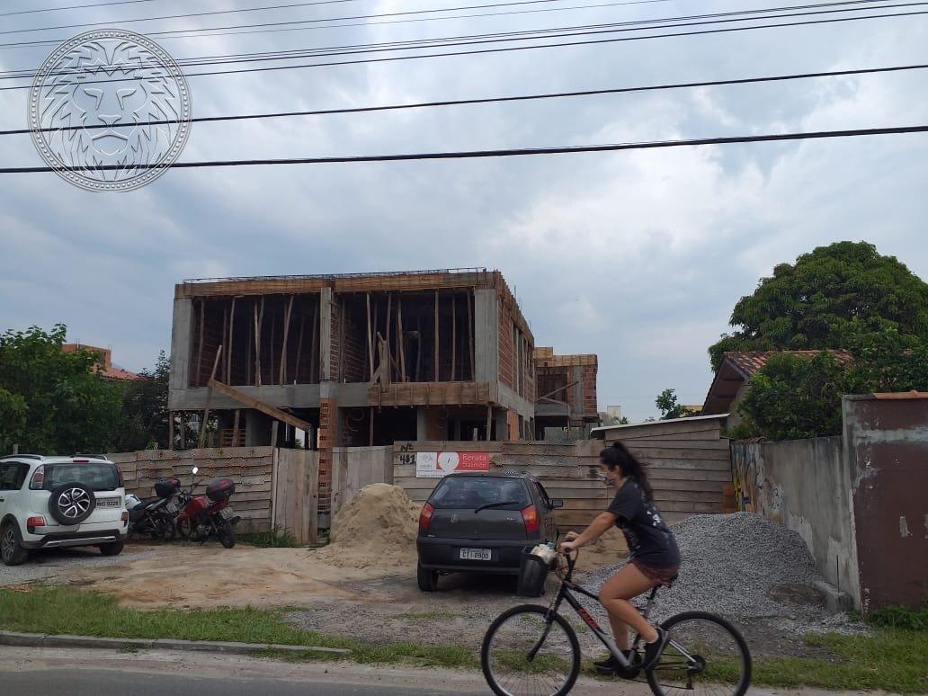 Casa em Florianópolis, no bairro Campeche