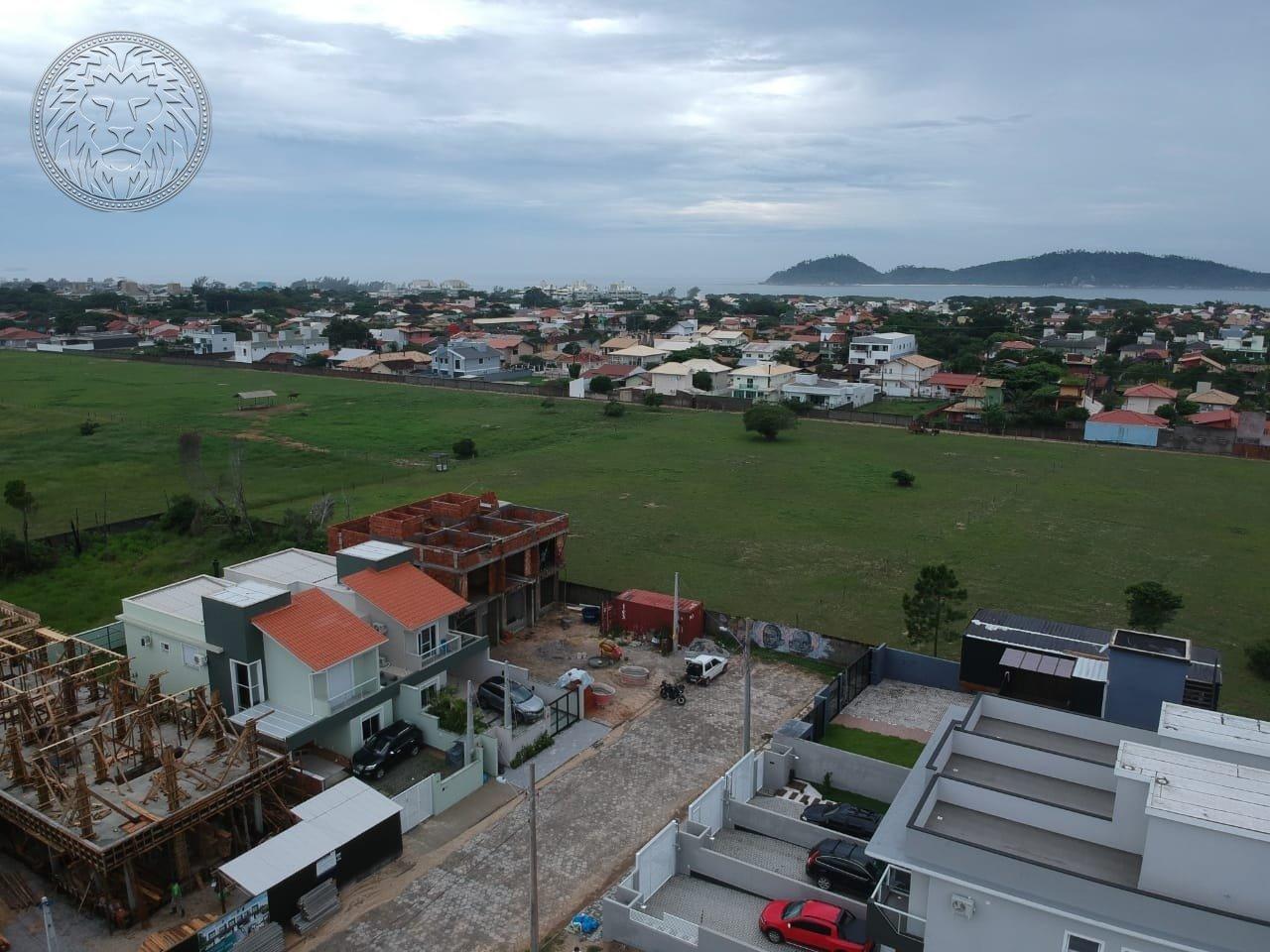 Casa com 2 dormitórios à venda em Florianópolis, no bairro Campeche