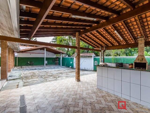 Sobrado com 4 dormitórios (3 suítes) à venda em CARAGUATATUBA, no bairro TABATINGA
