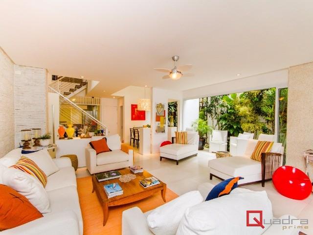 Casa em condomínio com 5 dormitórios (4 suítes) à venda em São Sebastião, no bairro Juquehy