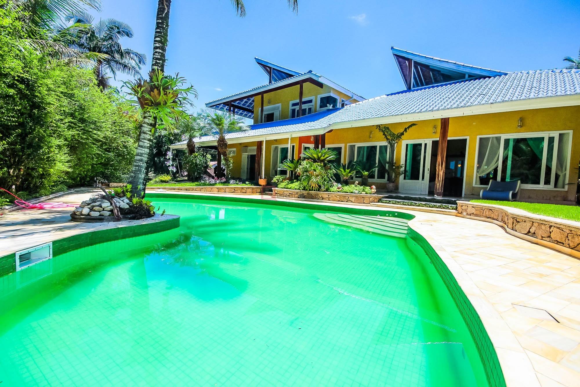 Casa em condomínio com 4 suítes à venda em CARAGUATATUBA, no bairro PARK IMPERIAL