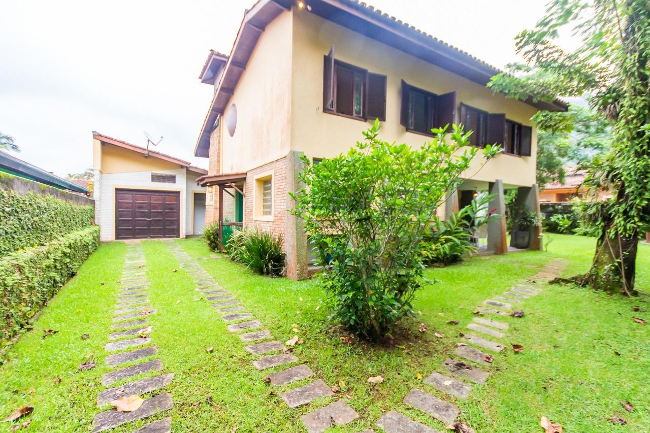 Casa em condomínio com 4 suítes à venda em Ubatuba, no bairro LAGOINHA