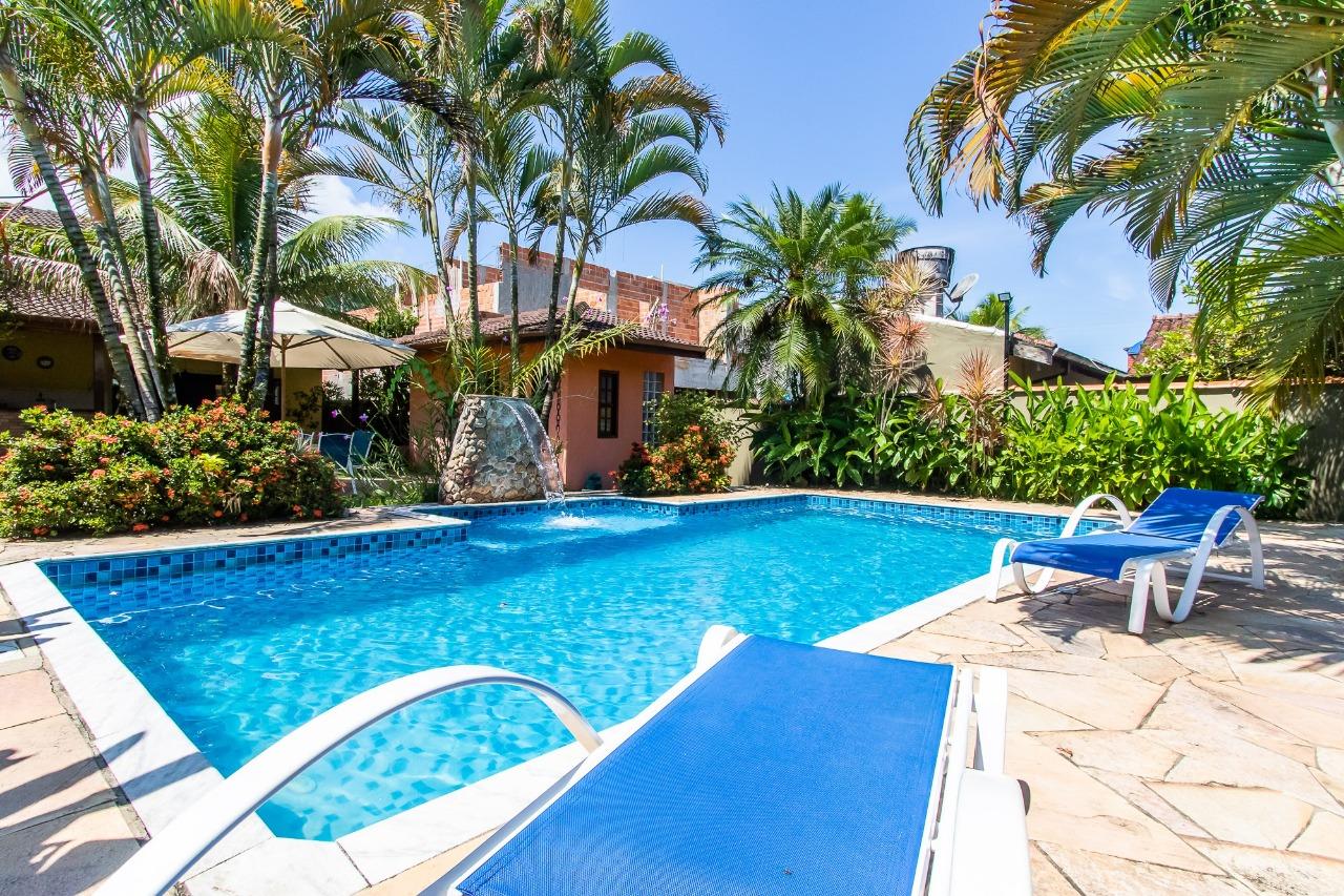 Casa com 6 dormitórios (1 suíte) à venda em Caraguatatuba, no bairro Mar Verde
