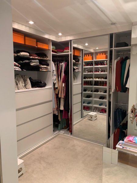 131_closet.jpeg